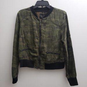 Sanctuary Womens Camouflage Crop Jacket Sz Medium